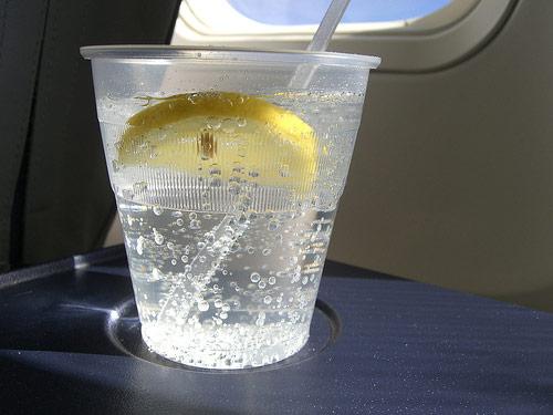 20091223-flight-drink